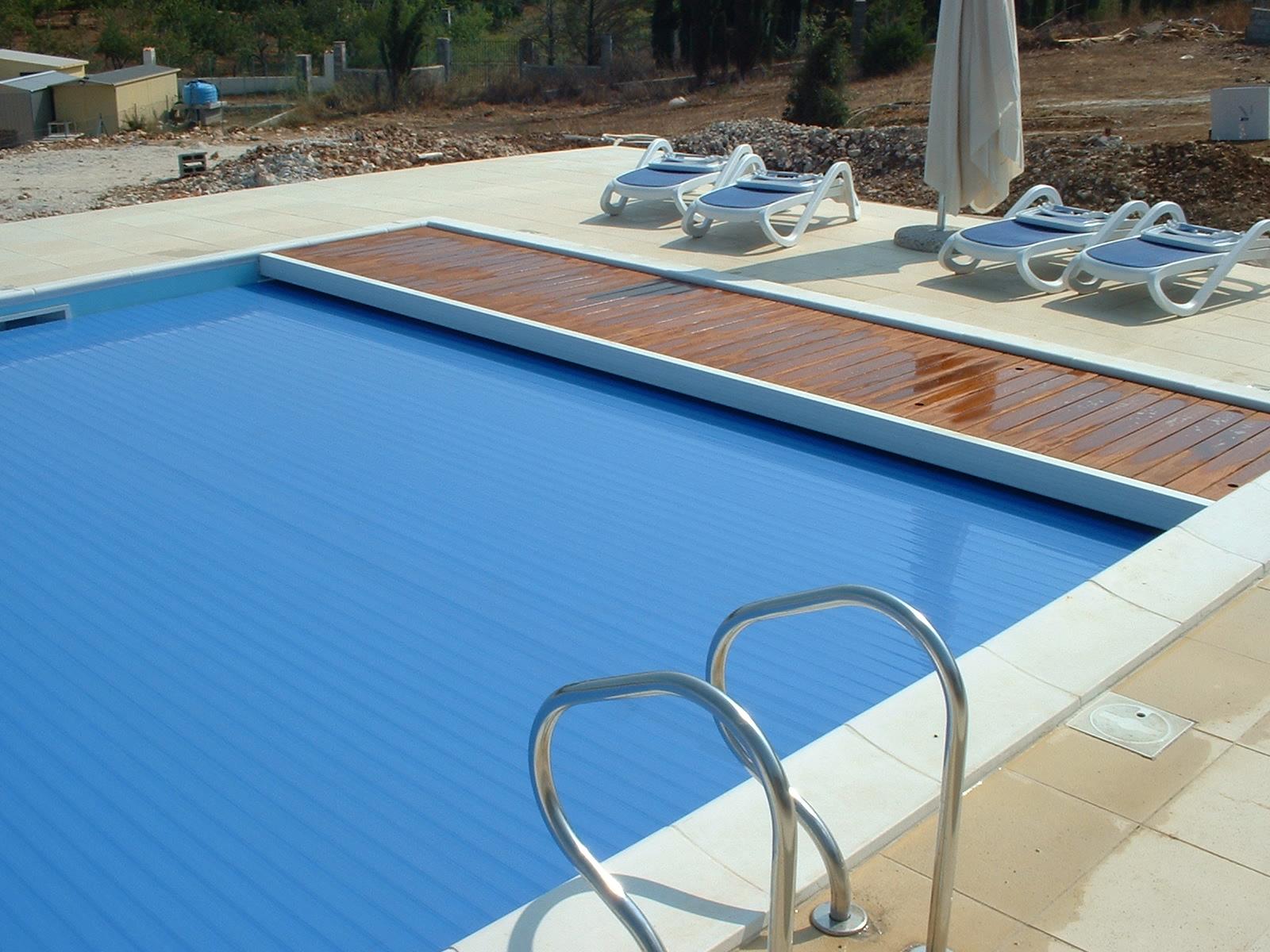 Come costruire una piscina interrata le 3 fasi di un for Riparare piscina