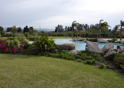 piscine scenografiche immersa nel verde