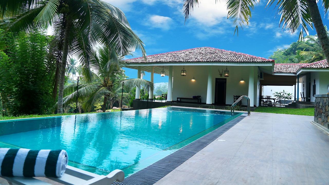 evitare acqua verde piscina