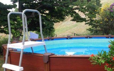 Piscina fuori terra autoportante: la praticità di una vasca smontabile