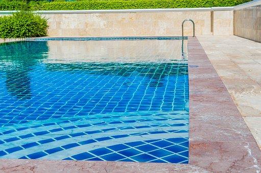 piscina lussuosa