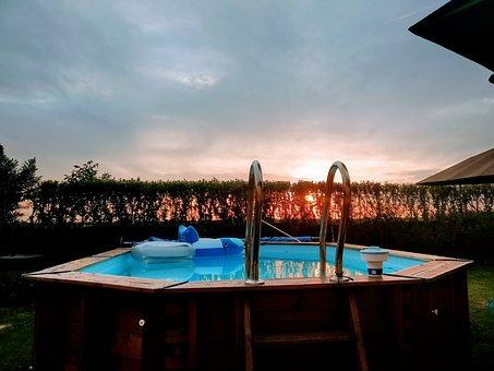 Quale piscina fuori terra comprare 3 consigli per la scelta for Comprare piscina